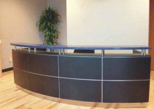 Tư vấn cách lựa chọn bàn tiếp tân cho công ty