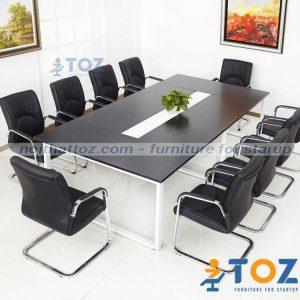 Bàn họp cao cấp BHC07 thuộc dòng bàn văn phòng cao cấp.