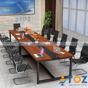 Bàn họp văn phòng này phù hợp không gian dành cho 10-12 người ngồi
