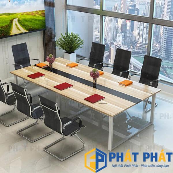 Sử dụng bàn họp chân sắt cho không gian văn phòng hiện đại - 2